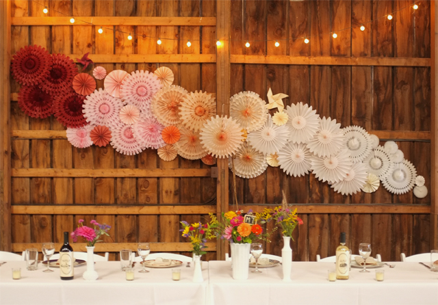 paperbackdrop_barnwedding