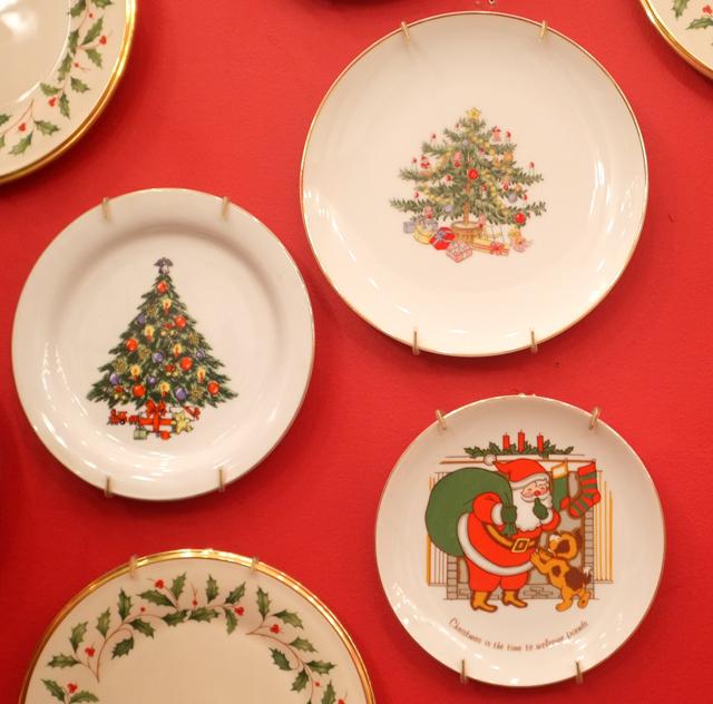 christmas plates2