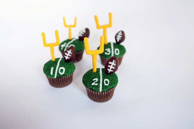 AJM Football Cupcakes_finished2_web