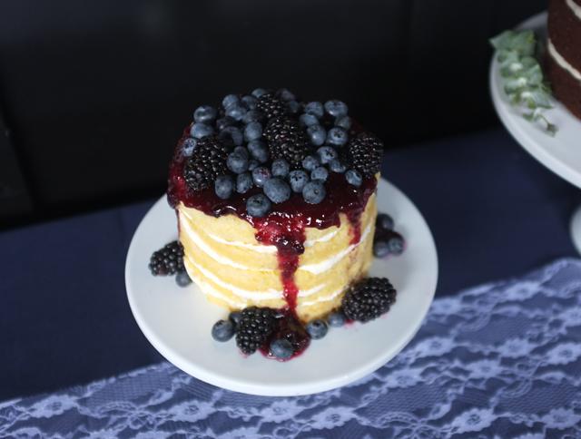 Naked Cake Blueberry Blackberry