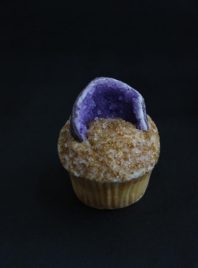 AJM Gemstone Cupcakes_Geode