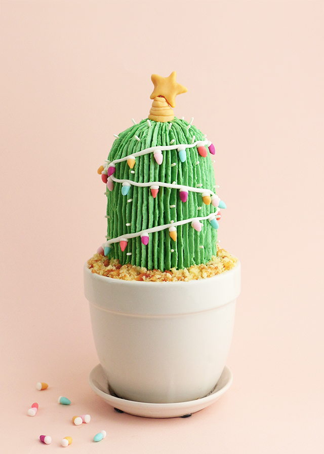 Holiday Cactus Cake