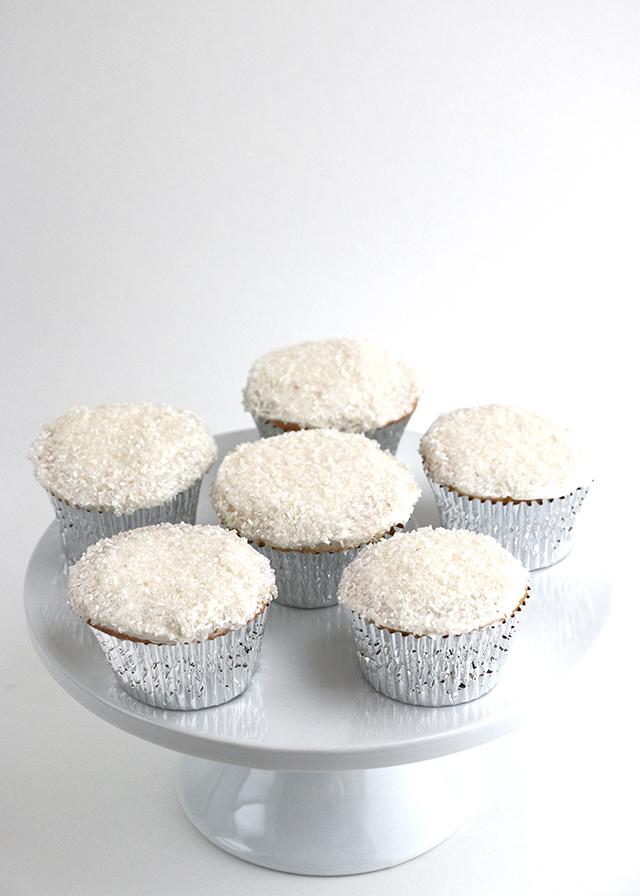 Snow Globe Cupcakes 4