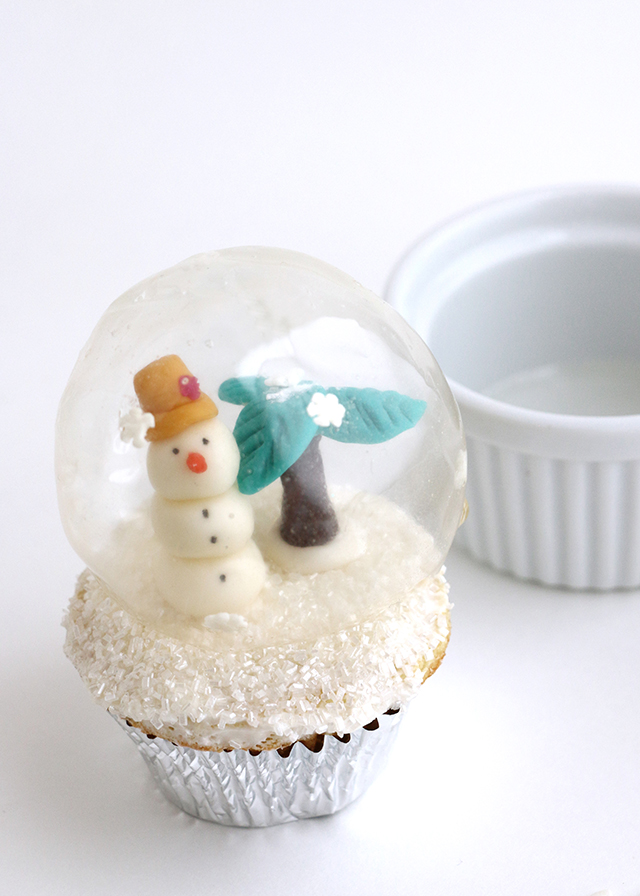 snow globe cakes how to make
