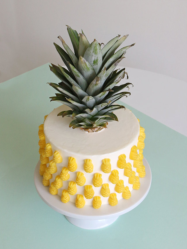 Make A Pineapple Shaped Cake