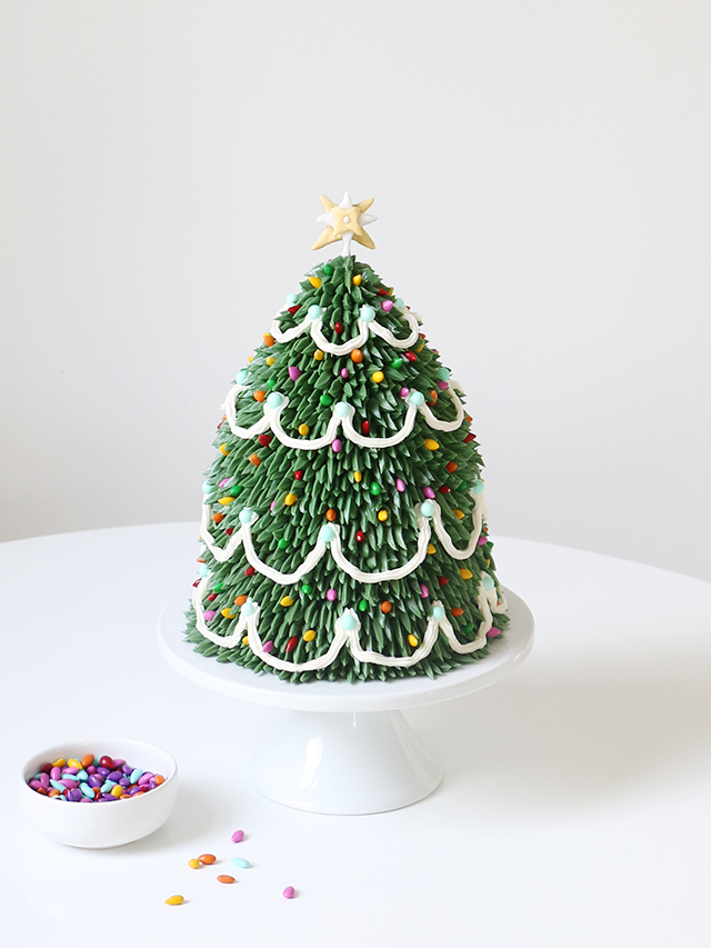 DIY: Christmas Tree Cake   Alana Jones-Mann