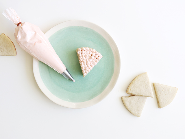 Decorating Cookie Cakes