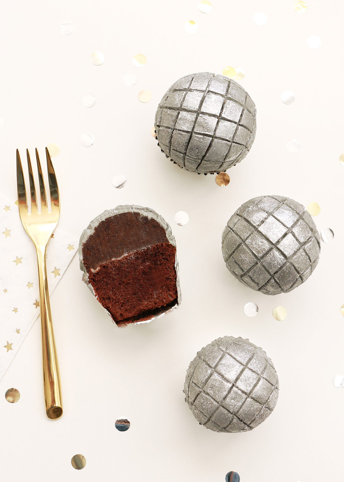 NYE Disco Ball Cupcakes